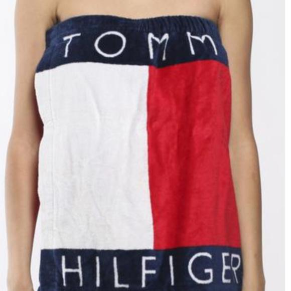 4daa5b67e Tommy Hilfiger Big Logo one size Bath Towel Wrap